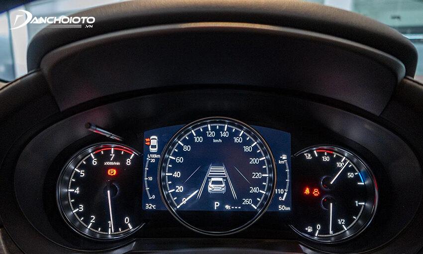 Cụm đồng hồ Mazda CX-5 2020 hiện đại hơn với màn hình hiển thị đa thông tin 7 inch ở giữa