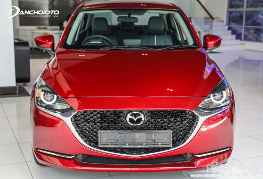 Đầu xe Mazda 2 2020 thế hệ mới rất ấn tượng với lưới tản nhiệt mở rộng kích thước lớn