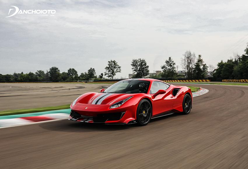 """Ferrari 488 là một mẫu siêu xe thể thao hạng trung của nhà """"ngựa chồm"""" danh tiếng"""