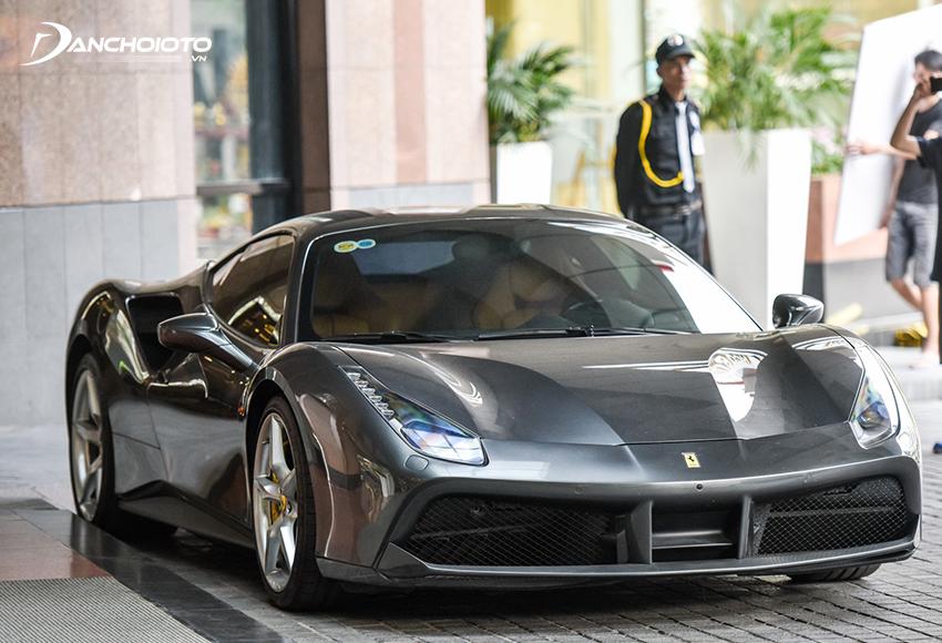 Ferrari 488 màu đen đầu tiên về Việt Nam của đại gia Hà Nội