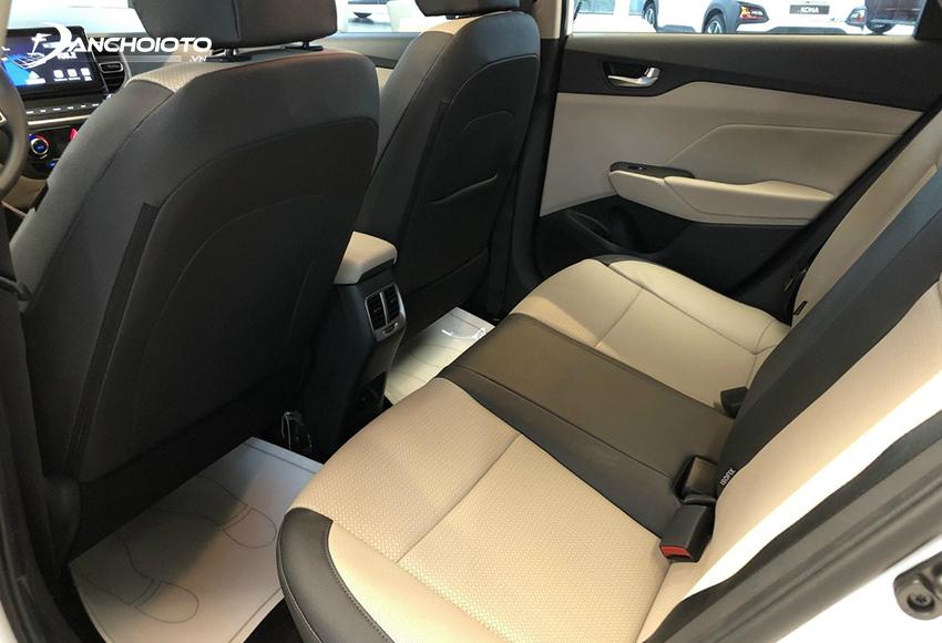 Hàng ghế sau Hyundai Accent 2021