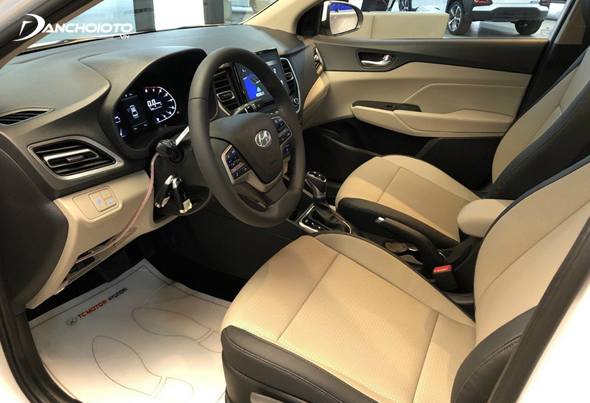 Hàng ghế trước Hyundai Accent 2021