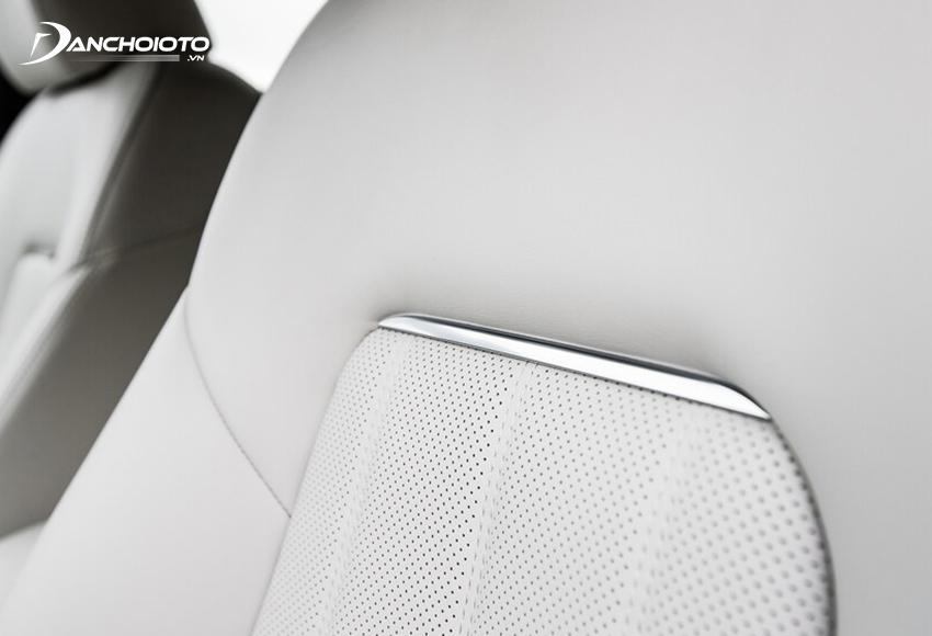 Hệ thống ghế ngồi Mazda 6 2020 đều được bọc da cao cấp đục lỗ