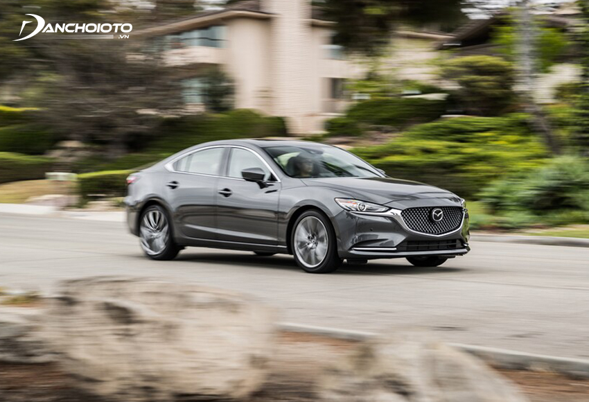 Hệ thống lái Mazda 6 cũng được đánh giá khá cao