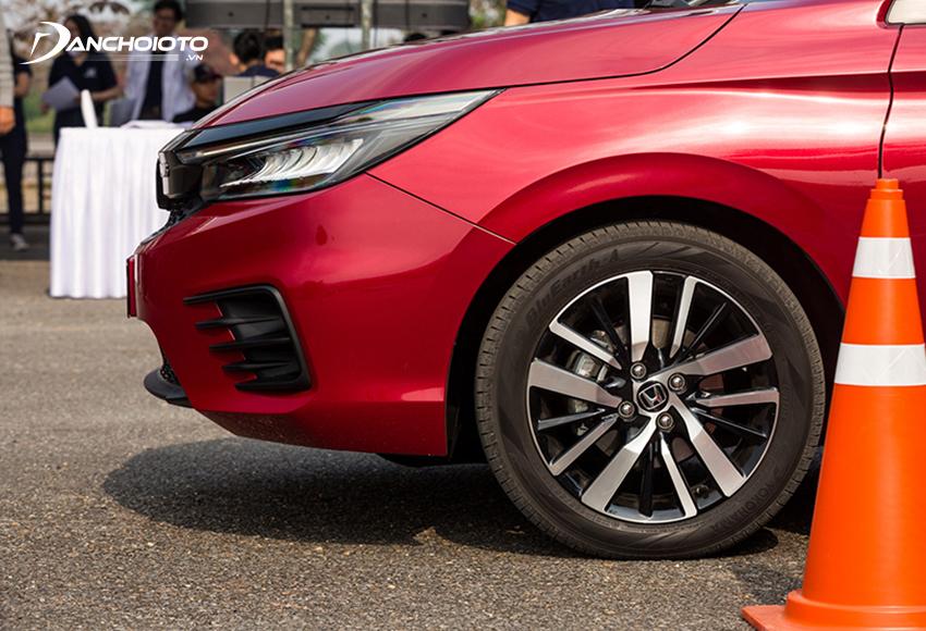 Honda City 2021 RS được trang bị lazang 16 inch 5 chấu kép 2 tone màu
