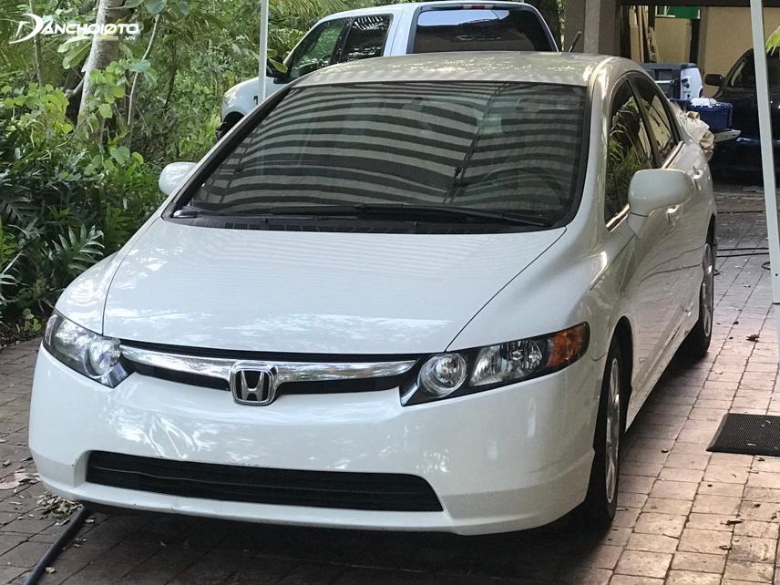 Honda Civic 2007 sở hữu phong cách thiết kế sang trọng, lịch lãm