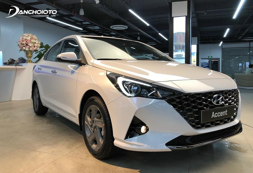 Hyundai Accent có ưu thế lớn về thiết kế, hệ thống trang bị tiện nghi lẫn hệ thống an toàn