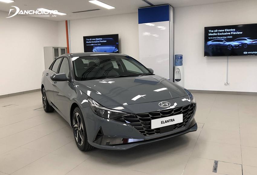 Hyundai Elantra động cơ dung tích lớn hơn, nhiều trang bị hơn