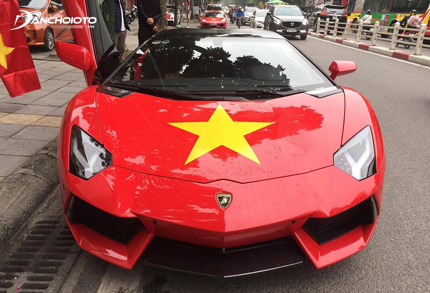 Lamborghini Aventador màu đỏ của ca sĩ Tuấn Hưng