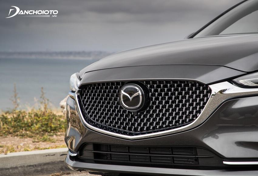 Lưới tản nhiệt Mazda 6 2020mở rộng tạo hình bên trong bằng lưỡi nhuyễn 3D mạ chrome đẹp mắt