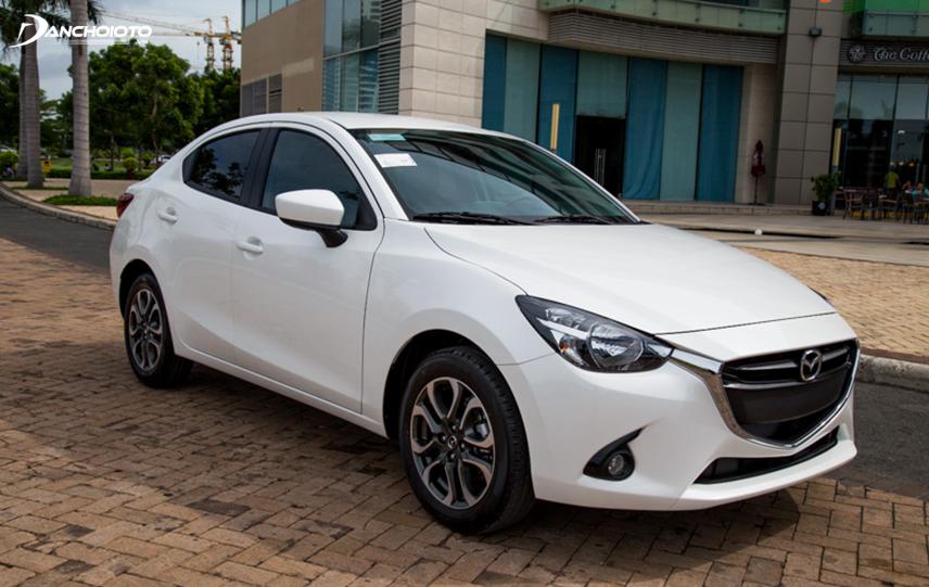 Mazda 2 2015 cũ không khác nhiều so với đời mới nhất