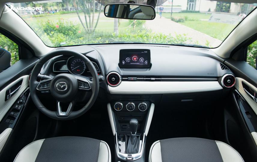 Mazda 2 Hatchback Premium SE có nội thất 2 màu