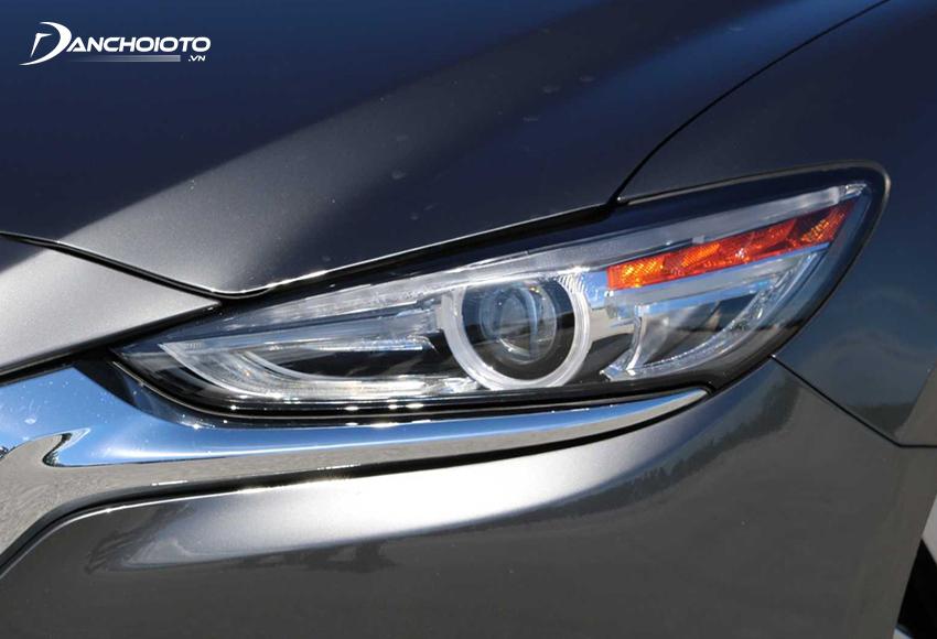 Mazda 6 2020 có hệ thống đèn LED, tích hợp nhiều tính năng hiện đại