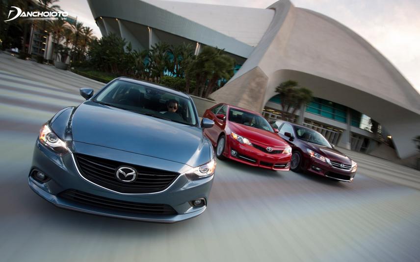 Mazda 6 hiện đại hơn các mẫu xe đối thủ cùng thời