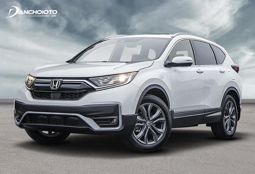 Nhiều người đánh giá Honda CRV rõ ràng hướng về một mẫu xe gia đình thực thụ (gia đình 2 - 3 thế hệ) với thiết kế chững chạc