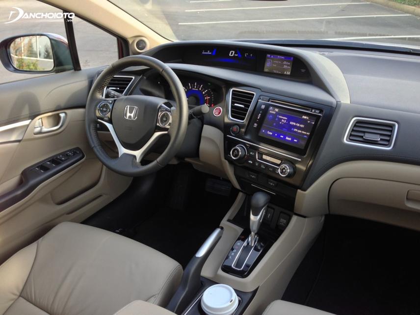 Nội thất Honda Civic 2015 vẫn giữ kiểu taplo 2 tầng