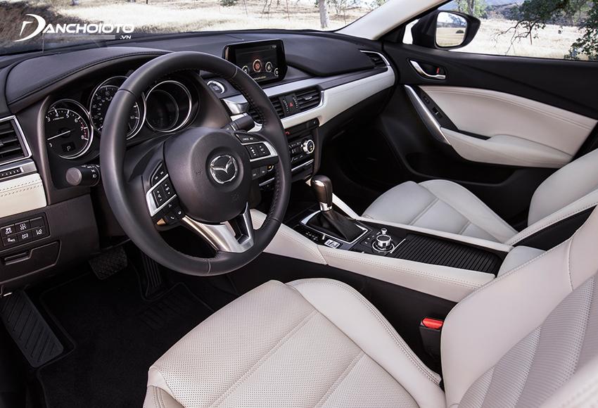 Nội thất Mazda 6 2020 cũng có sự tinh giản mang lại vẻ đẹp sang trọng và hiện đại hơn