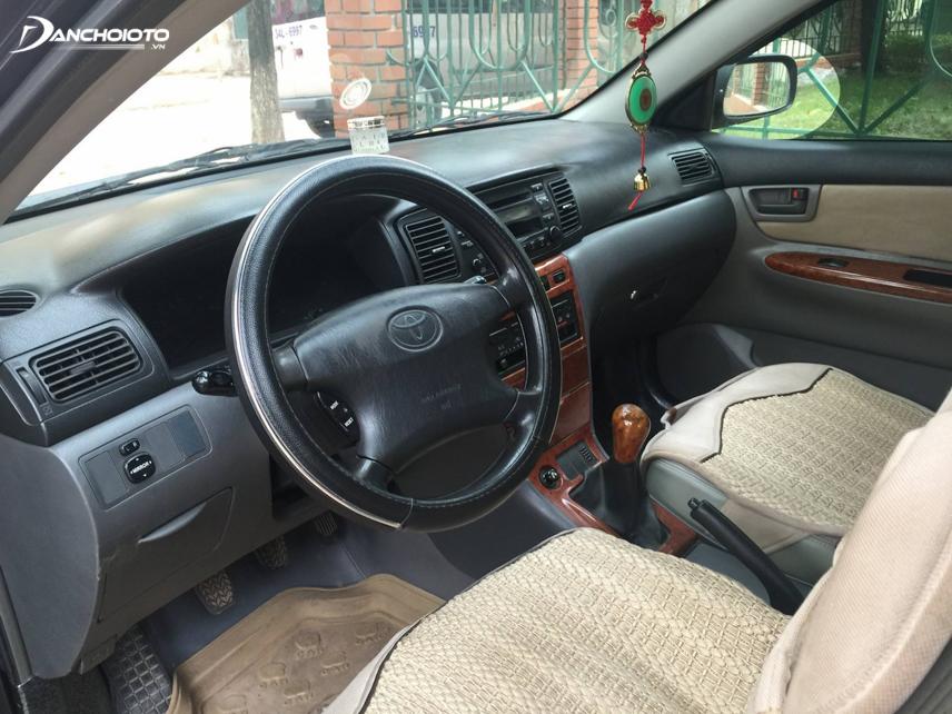 Nội thất Toyota Corolla 2003 - điển hình thế hệ thứ 9