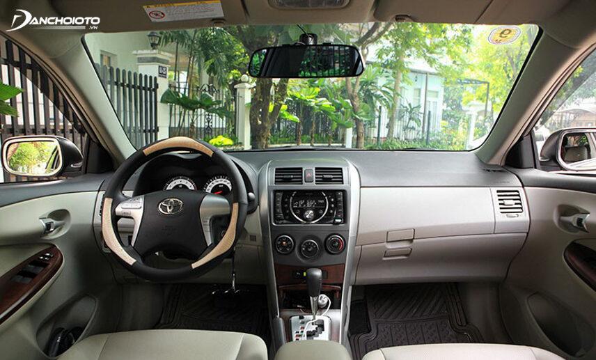 Nội thất Toyota Corolla Altis 2012 cũ