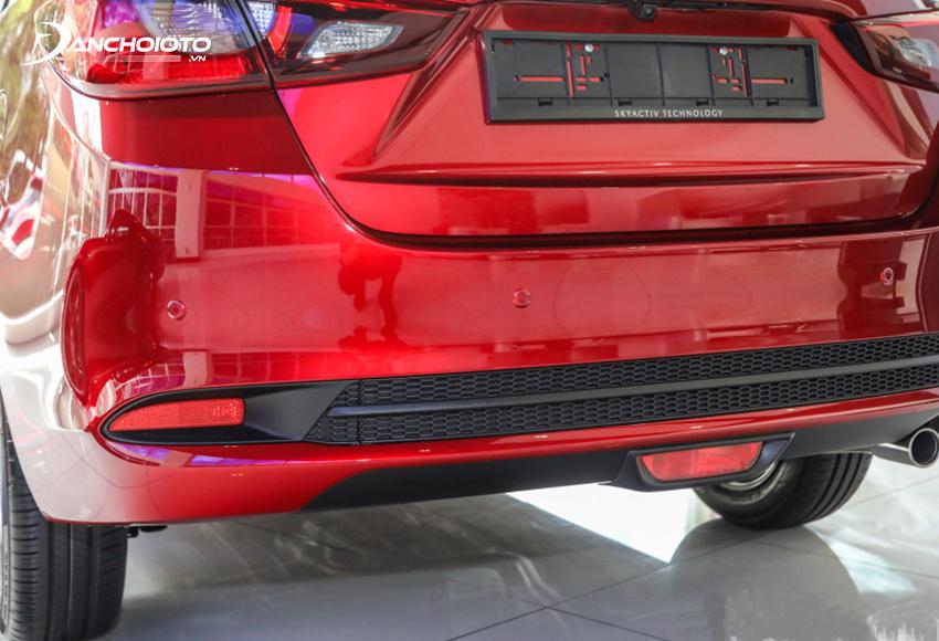 Phần cản sau Mazda 2 2020 khoét sâu cùng phong cách với cản trước