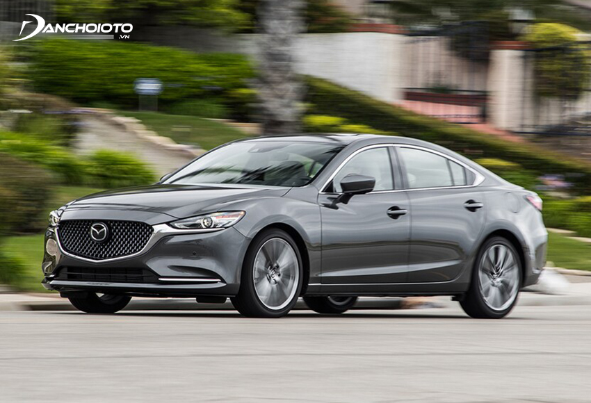 Mazda 6 2.5L cho khả năng tăng tốc tốt, cảm giác lái thể thao, nhất là khi chuyển sang chế độ Sport