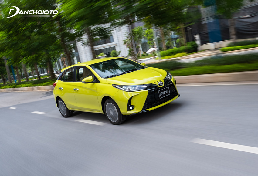 So với Toyota Vios, vô lăng Yaris nhẹ hơn đôi chút
