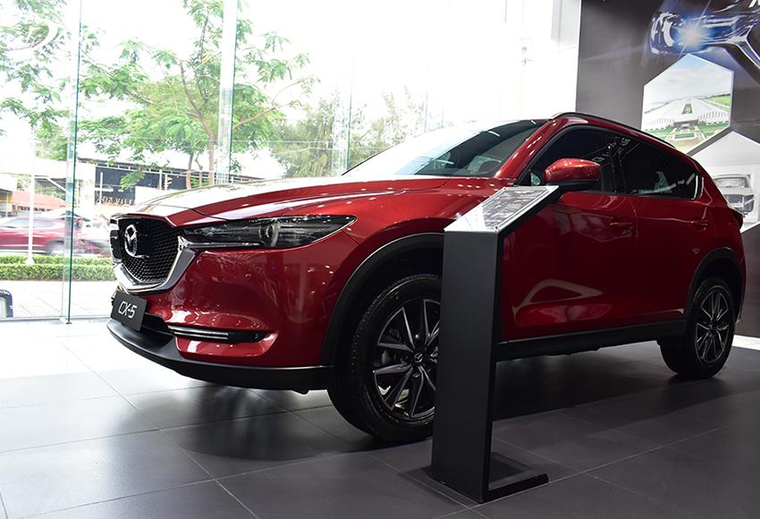 """Với triết lý """"Less is more – càng đơn giản càng đẹp"""" được vận dụng một cách sâu sắc, Mazda CX-5 2020 liền lạc, gãy gọn và tinh tế hơn"""