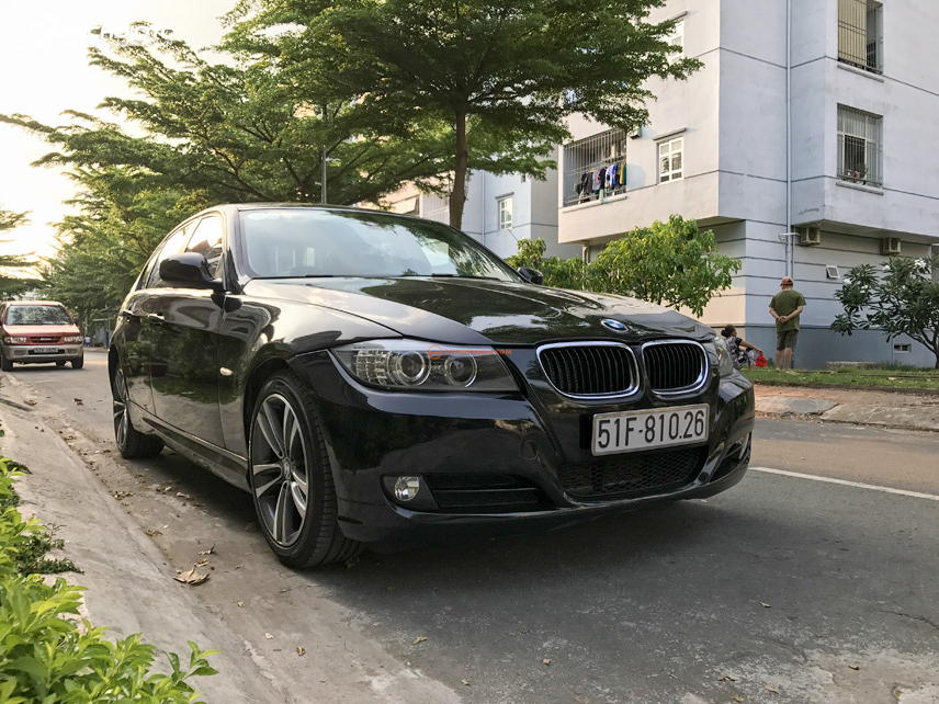 The BMW 320i offers users a memorable driving experience