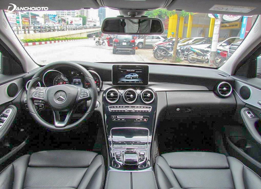 A close-up of the luxury cockpit of the 2015 C200