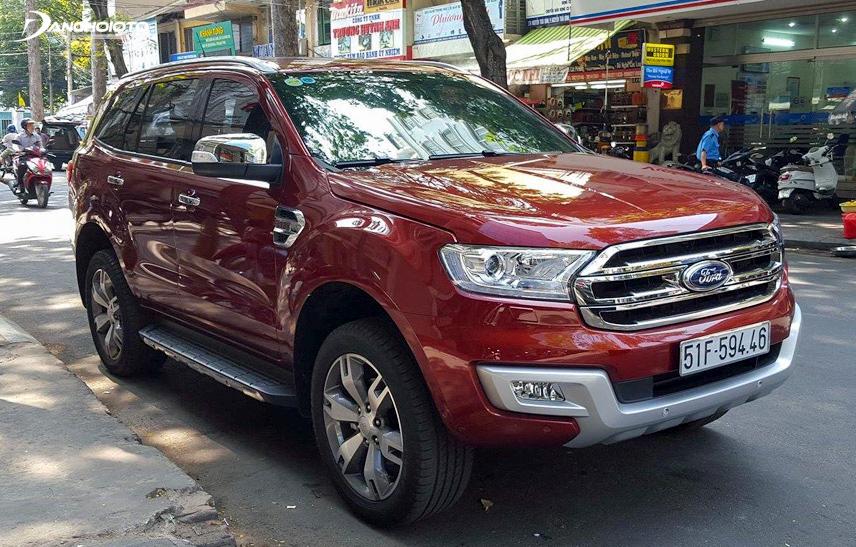 Ford Everest 2016 có đầy đủ tính năng an toàn cơ bản