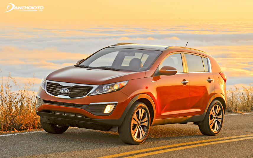 The 2012 Kia Sportage possesses a youthful, modern and powerful look similar to the later generations