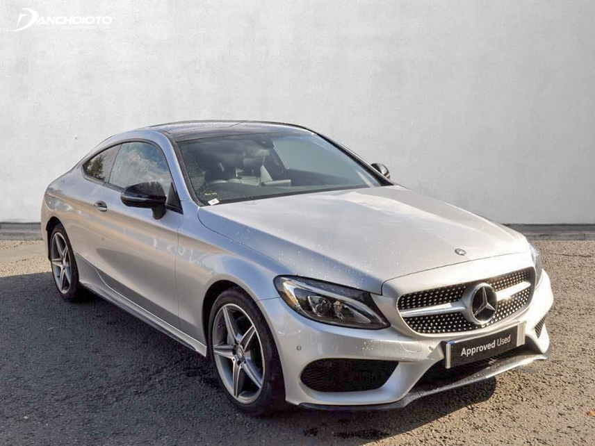Mercedes C200 2016 brings a feeling of a luxury and strong car