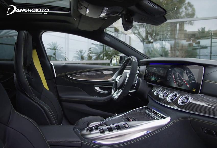 Hệ thống tiện nghi Mercedes AMG GT 63S rất hiện đại