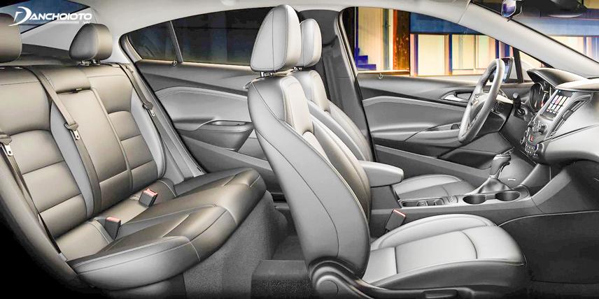 Không gian nội thất trên Chevrolet Cruze 2018