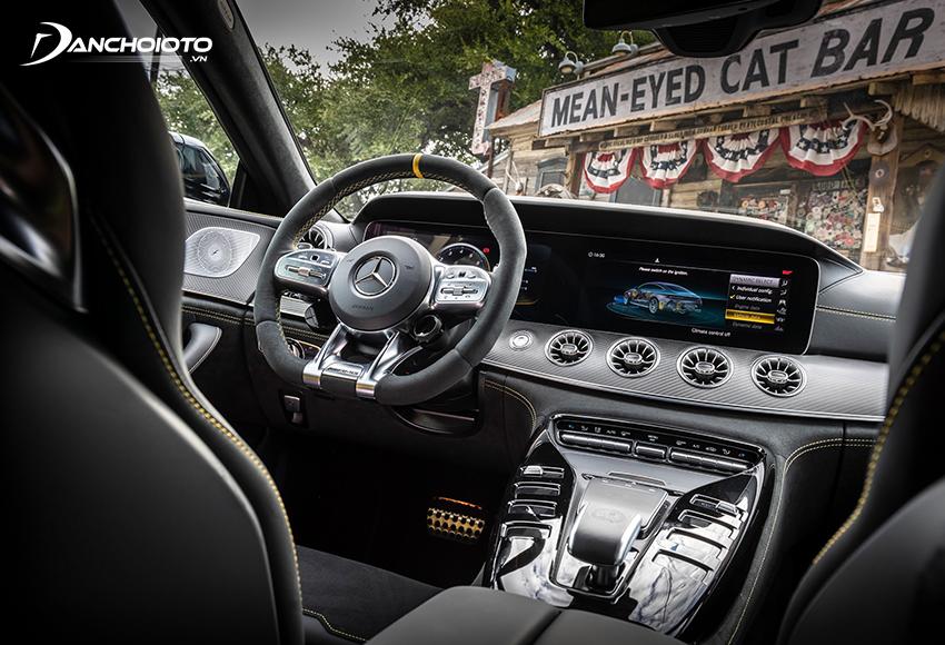 Mercedes AMG GT 63S cũng hấp dẫn không kém ngoại thất bên ngoài