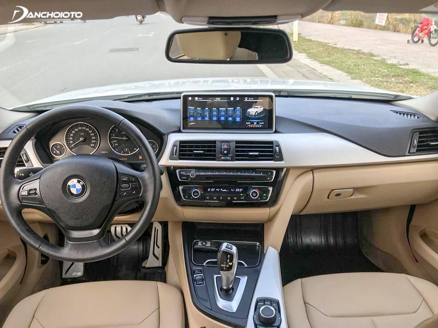 Interior BMW 320i 2016