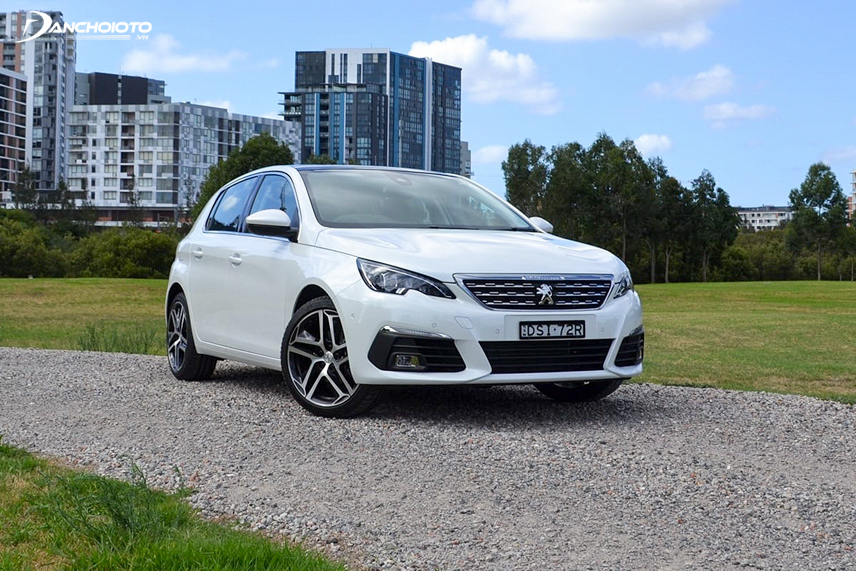 The angled front end creates a new look for the 2018 Peugeot 308