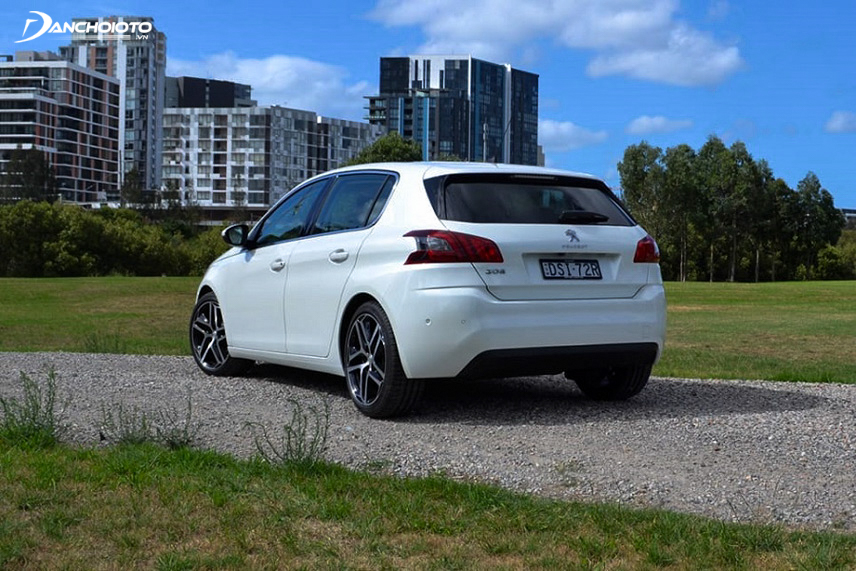 The Peugeot 308 2018 rear is an attractive design