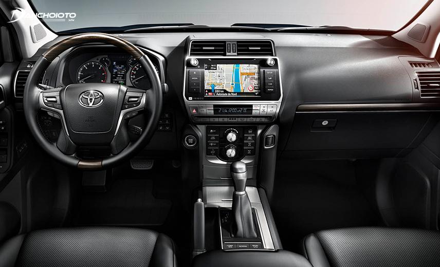 Thiết kế khu vực lái của Toyota Land Cruiser Prado