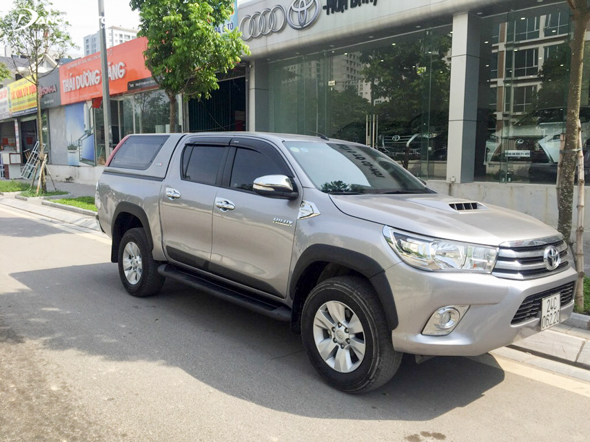 2015 Toyota Hilux old model pickup is quite modern and luxurious design
