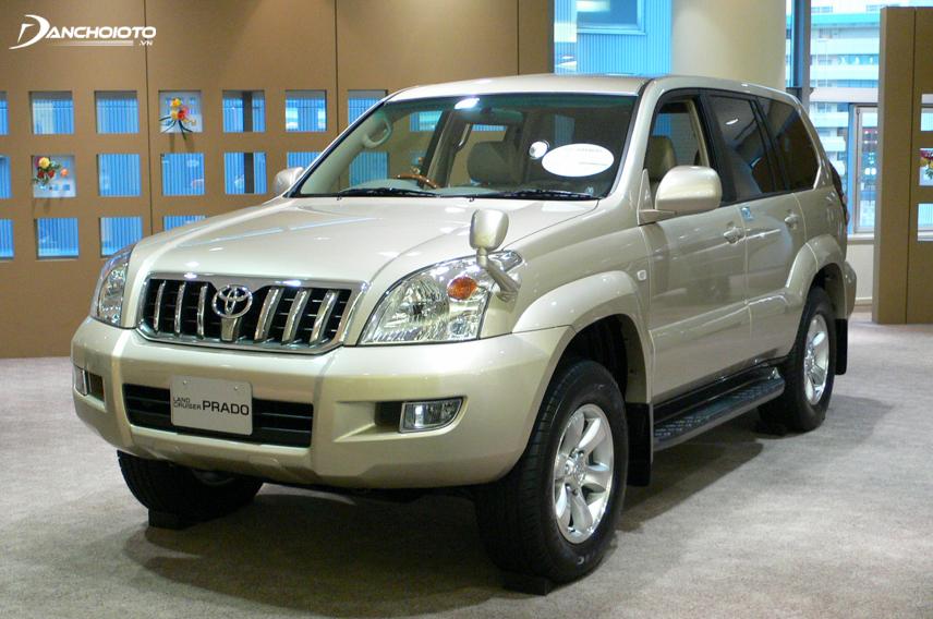 Toyota Land Cruiser Prado 2002 mang nét đặc trưng của thế hệ thứ hai