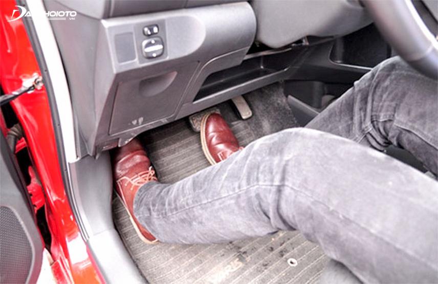 Phanh là một bộ phận vô cùng quan trọng đảm bảo an toàn khi lái xe