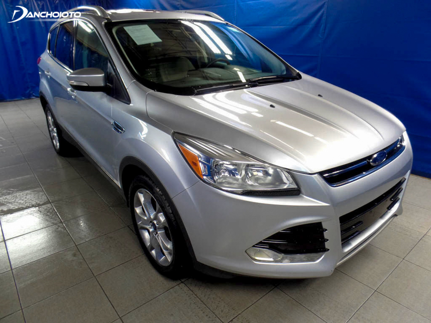 Old Ford Escape 2015 is designed more modern and luxurious than the previous version