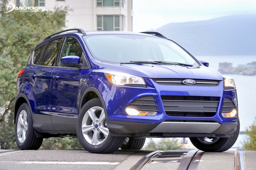 Prices for the old 2015 Ford Escape range from VND 500 to 600 million or more