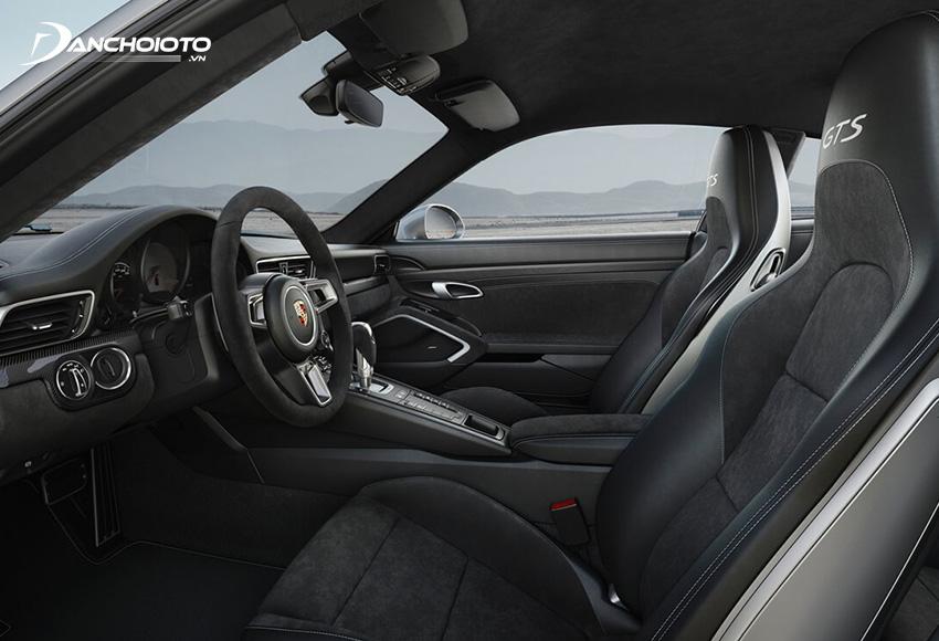 Hệ thống ghế ngồi của Porsche 911 được gia công vô cùng tỉ mỉ