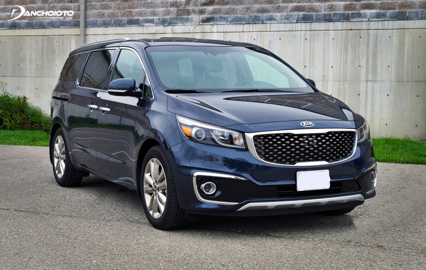 Exterior Kia Sedona is designed quite superficially compared to its competitors