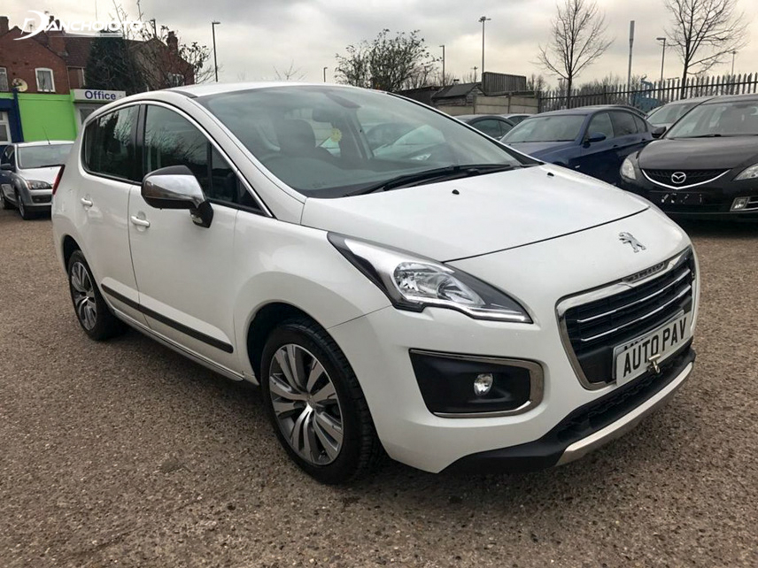 Peugoet 3008 2014 is compact and elegant