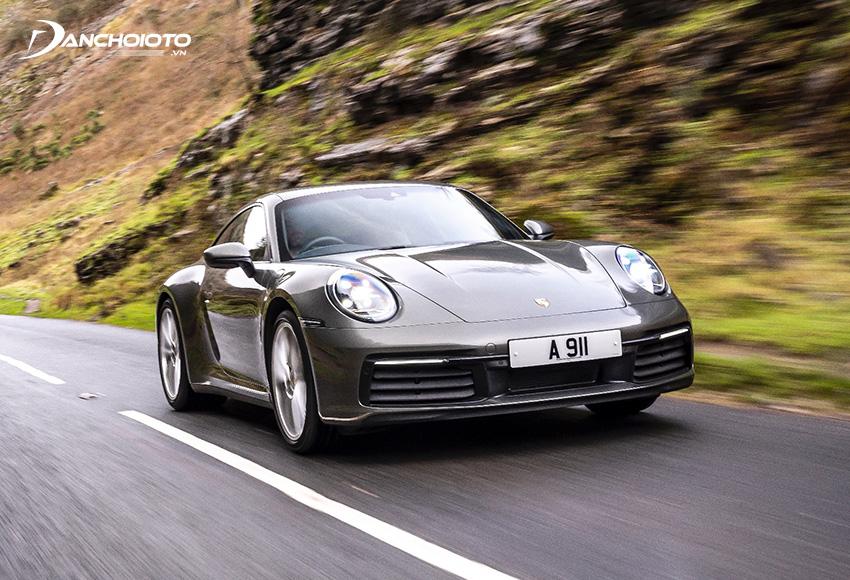 Porsche 911 cho khả năng vận hành vô cùng mạnh mẽ