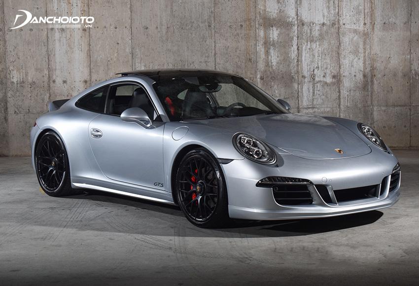 Porsche 911 Carrera ra mắt lần đầu vào năm 2016