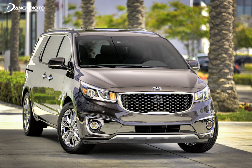 The engine power of Kia Sedona is rated strong and smooth